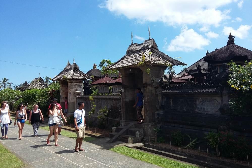 Wisata Desa Penglipuran Bali - 2D 1N Tour & Hot Spring - Angkul Angkul