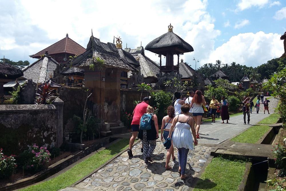 Wisata Desa Penglipuran Bali Lokasi Strategis