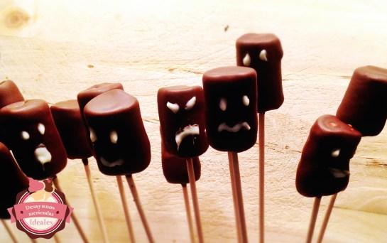 nubes-con-chocolate-y-caras
