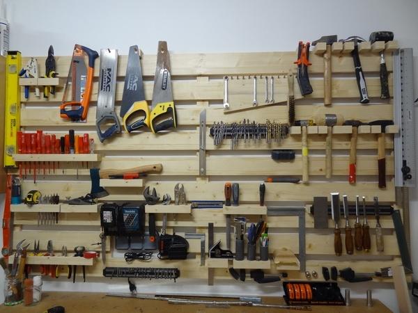 rangement mural outils