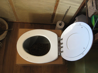 comment nettoyer le fond des toilettes