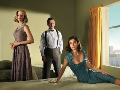 Caitlin Fitzgerald as Libby Masters, Michael Sheen as Dr. William Masters and Lizzy Caplan as Virginia Johnson in Masters of Sex (season 2) - Photo: Frank W Ockenfels 3/SHOWTIME