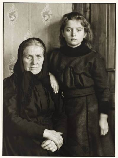 Grandmother and Granddaughter 1911-14, printed 1990 August Sander 1876-1964 ARTIST ROOMS Tate and National Galleries of Scotland. Lent by Anthony d'Offay 2010 http://www.tate.org.uk/art/work/AL00141