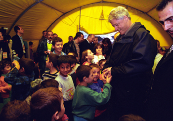 President Bill Clinton visits children in İzmit
