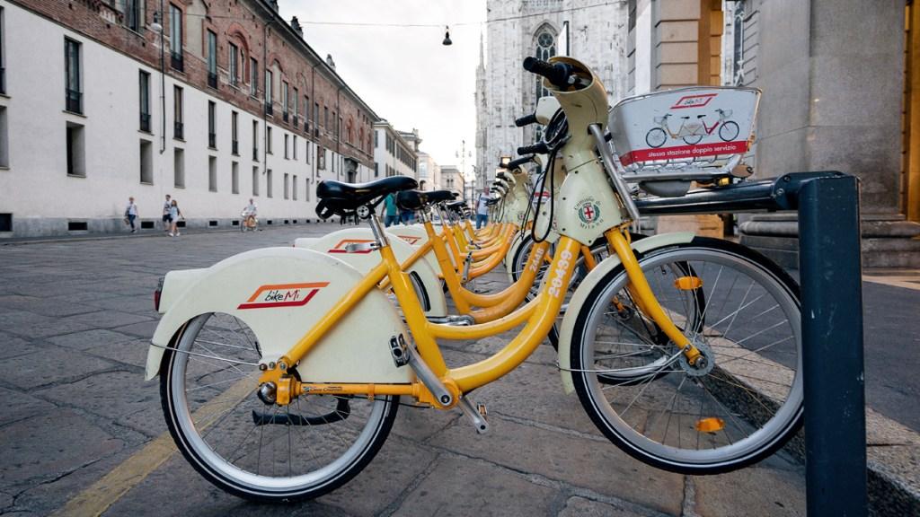 bicicleta em milão