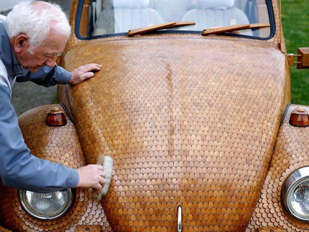 Momir Bojic utilizó más de 50.000 piezas de roble y tardó dos años en construir este modelo. Foto: Infobae