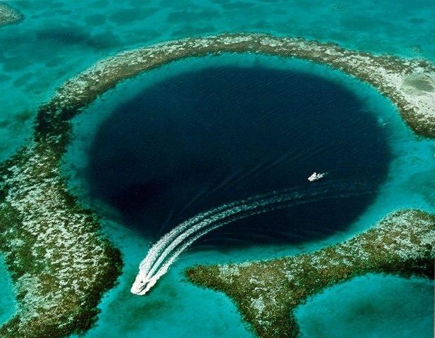 gran agujero azul
