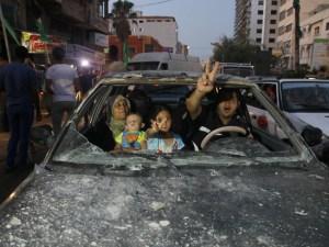 Familia palestina celebra tregua permanente