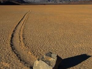 Piedras andantes del Valle de la Muerte EEUU