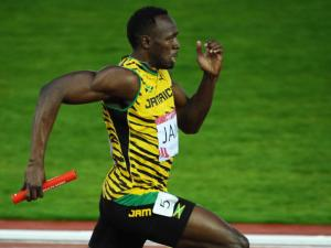 Usain Bolt corriendo 100 metros