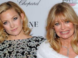 Kate Hudson con su mamá Goldie Hawn