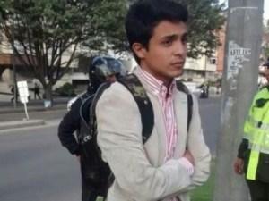 Lorent Saleh cuando es expulsado de Colombia