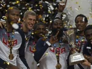 Selección de Baloncesto de Estados Unidos, celebra victoria