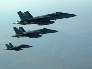 Aviones australianos de guerra volando
