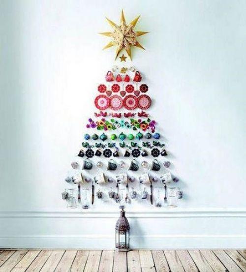 El árbol gourmet hecho con tazas, cuchillos, platos, copas y mucha originalidad