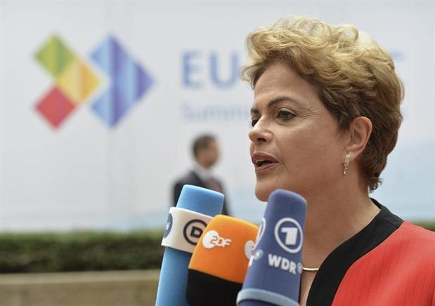 El 26 de octubre de 2014 Rousseff fue reelegida como presidenta de Brasil con el 51,64 por ciento de los votos en una segunda vuelta de elecciones generales y desde entonces la nación ha registrado una importante disminución de los niveles de pobreza y un significativo crecimiento de las clases medias de la población.
