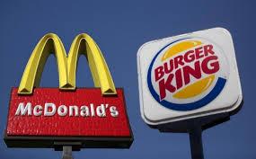 La cadena Burger King propusó a Mc Donald's realizar una hamburguesa juntos. La propuesta se podría definir como crear un nuevo producto en conjunto con el motivo de celebrarse el día de la Paz, el próximo 21 de septiembre, y venderla en un restaurante que abriría solo para la ocasión en Atlanta. especial por un día.