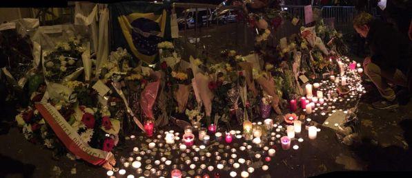 """""""No le cobro a los familiares de las víctimas"""" dijo un taxista. / Foto Cel: Iñaki."""