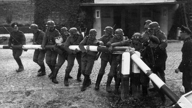 a Wehrmacht cruzando la frontera polaca el 1 de septiembre de 1939