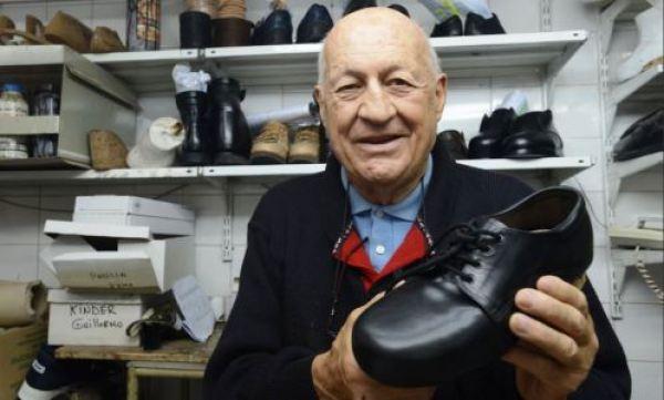 Carlos Samaría, el zapatero de Francisco en Buenos Aires