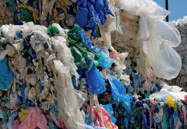 Shopping bags recycling