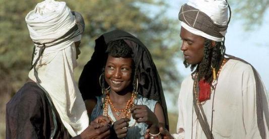 tribu-wodaabe-mujer-soltera