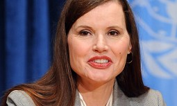 epa02228583 Academy Award-winning actress and founder of the non-profit organization the Geena Davis Institute on Gender, Geena Davis speaks with media at the opening of the 2010 Economic and Social Council (ECOSOC) High-Level Segment at the United Nations in New York, New York, USA, on 28 June 2010. EPA/ANDREW GOMBERT