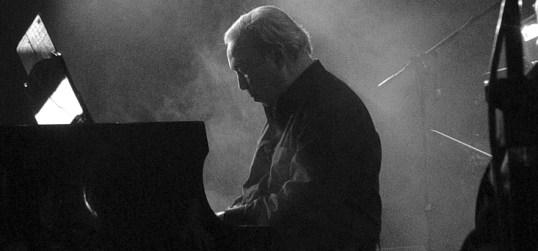 aldemaro-romero-en-el-piano
