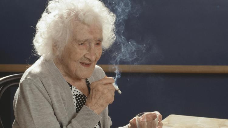 el-secreto-de-la-longevidad-esta-oculto-en-los-genes-de-los-fumadores-octogenarios