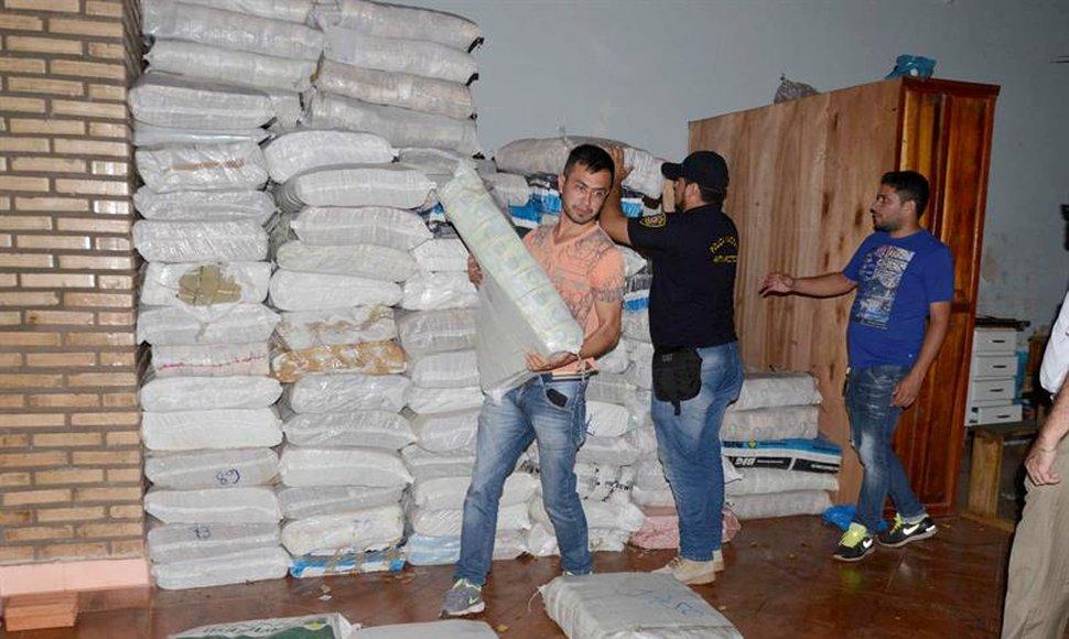pacas de bolivares en Paraguay