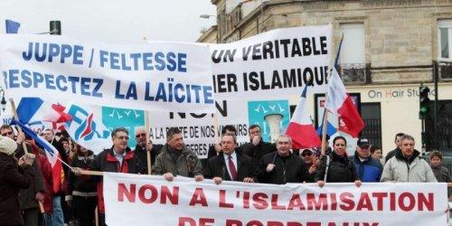 Manifestation FN anti-mosquée à Bordeaux