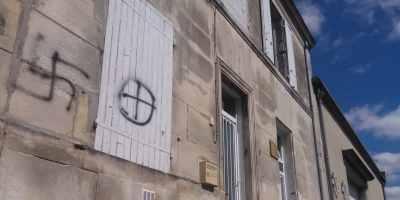 Cognac  les nazillons souhaitent joyeux anniversaire à la mosquée Essalam