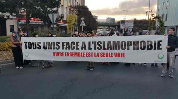 Forte mobilisation contre l'islamophobie à Saint-Gratien 11