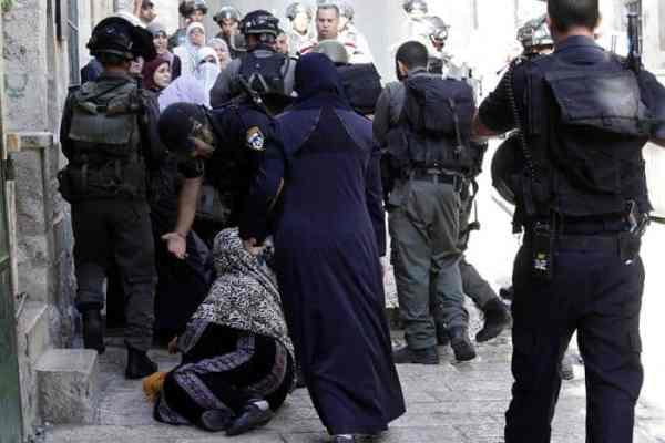 La mosquée Al-Aqsa prise d'assaut par les soldats sionistes 7