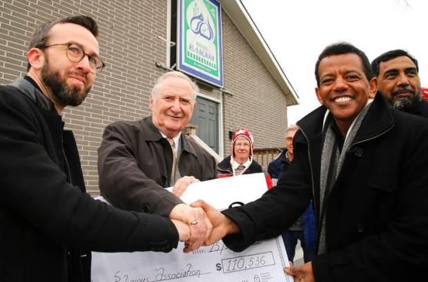Solidarité avec une mosquée canadienne