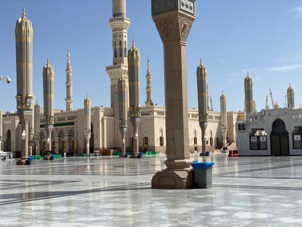 Coronavirus: Prophet Mohammed's mosque closed for the first time after 1,400 years