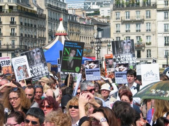 Marche européenne contre la vivisection (Paris-23 avril 2011)
