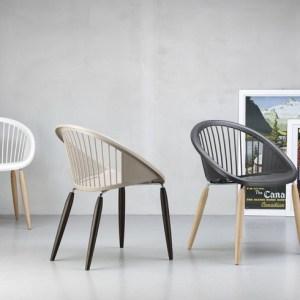 Art.SE11 - Sedia da interni con gambe in legno. (SCAB)