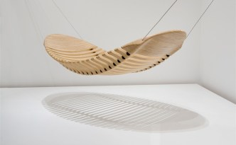 FLEX WOODEN HAMMOCK by Australian industrial designer Adam Cornish (© Adam Cornish)