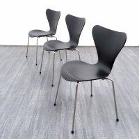 "Fritz Hansen ""3107"" chair in plywood and metal, Arne JACOBSEN   2014   Design Market"