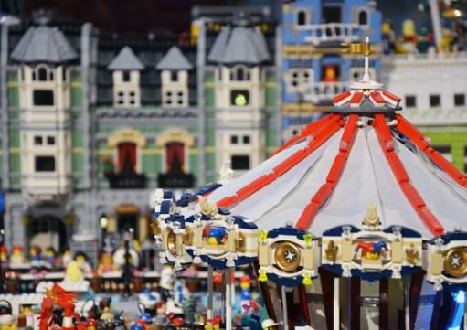 Natale all'Ex Caserma Guido Reni: RoMarket, Lego e Alice
