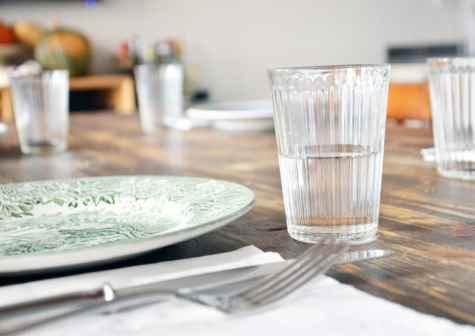 a pranzo nella cucina laboratorio di Giulia Scarpaleggia