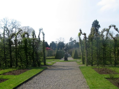 Path through Formal Garden to the 300 years old Bavarian urns at the centre of the garden at Birr Castle