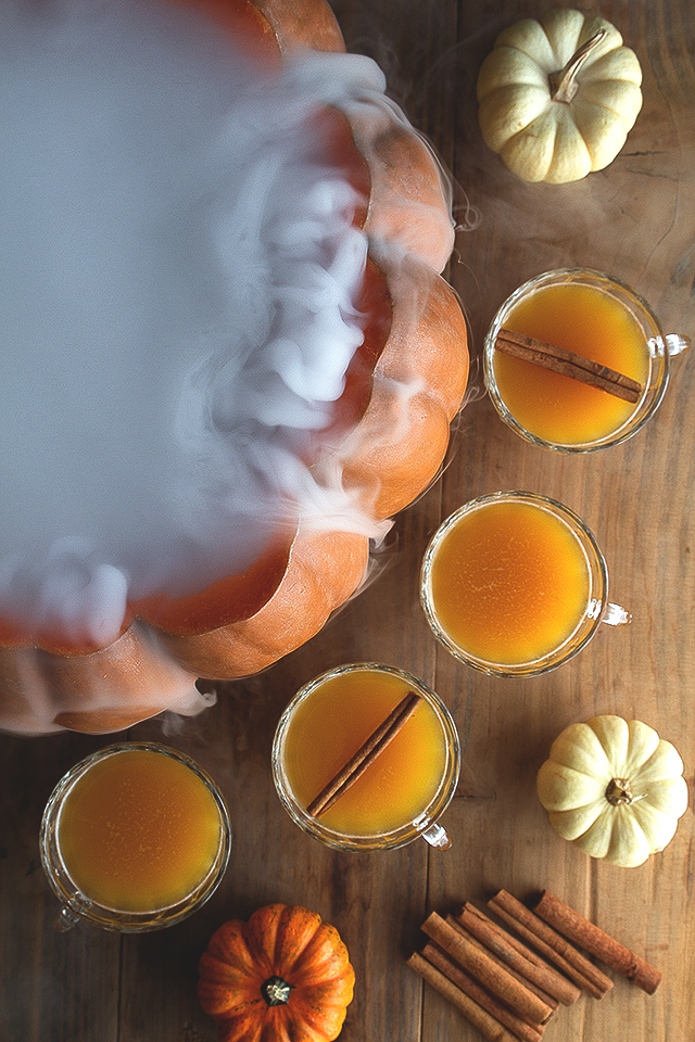 Bring on the BOO's and BREWS! Looking for halloween adult drink ideas? Here are 10 to-die-for halloween adult drinks that are sure to please!