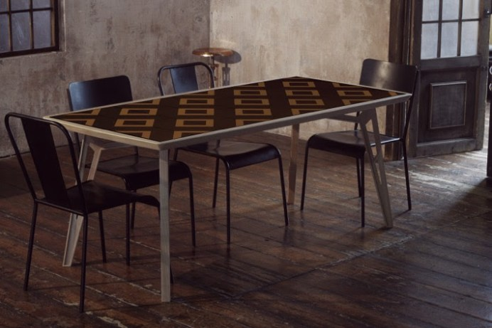 mosaicool-tavolo-design-con-piastrelle-calamitate (4)