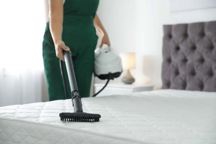 come pulire il materasso con vapore