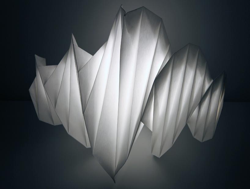 https://i1.wp.com/www.designboom.com/weblog/images/images_2/2011/jenny/artemide_isseymiyake/isseymiyake01.jpg