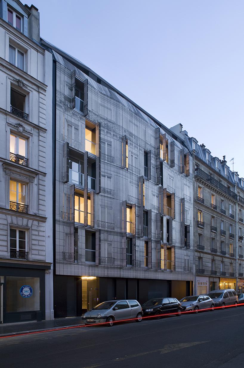 Chartcorb Prints Iconic Haussmannian Fa 231 Ade On A Parisian