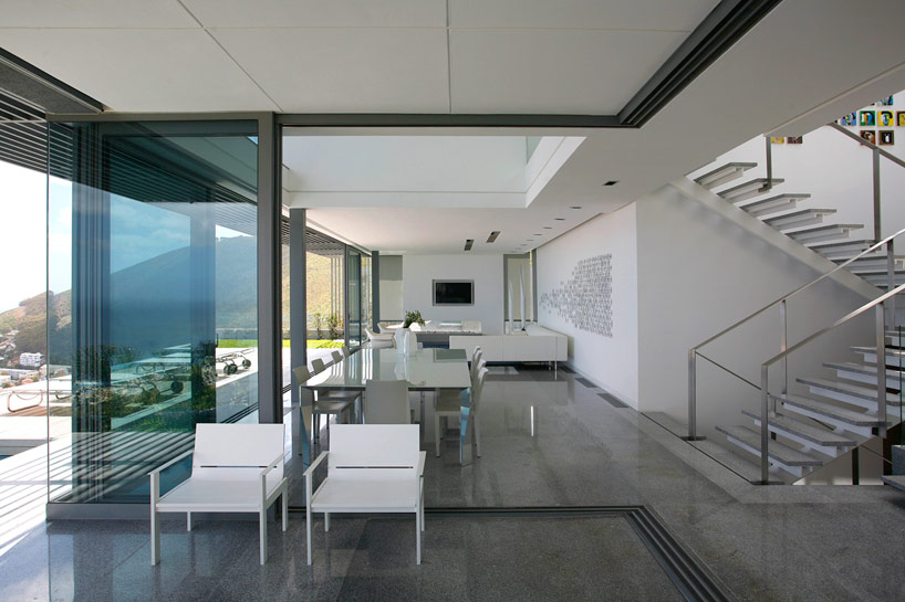 SAOTA Head 1815 Cape Town