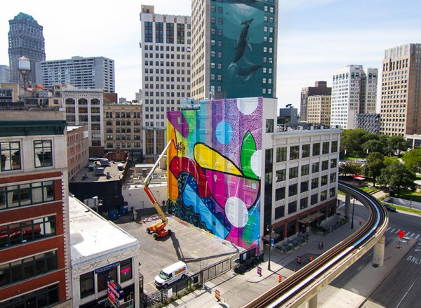 madison theater mural in detroit by HENSE